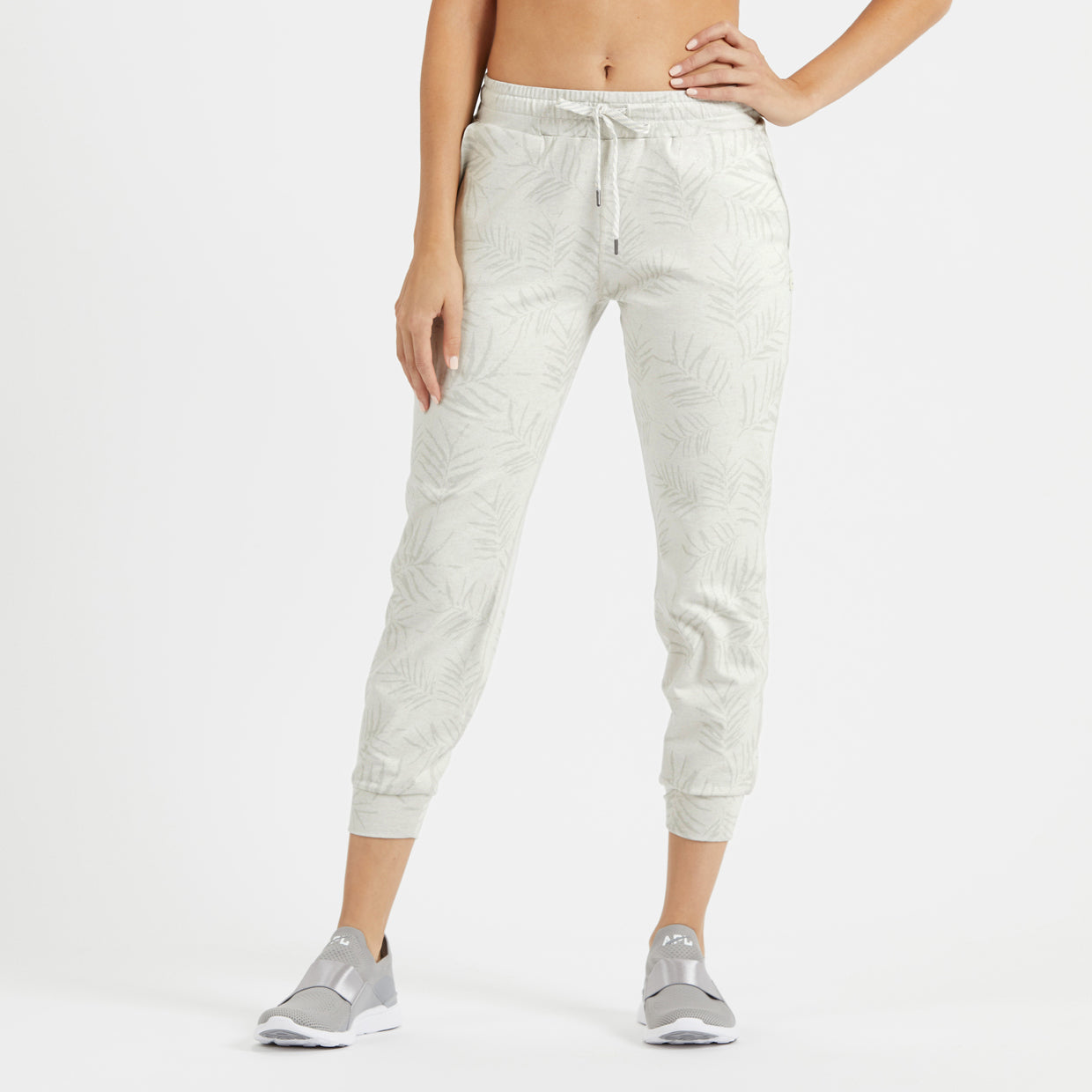 Performance Jogger | Dove Grey Heather Floating Palm