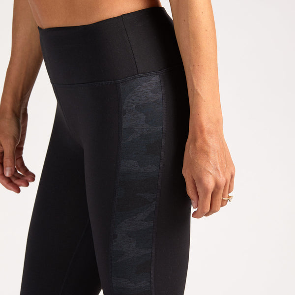 Asymmetric Block Legging | Black / Black Camo