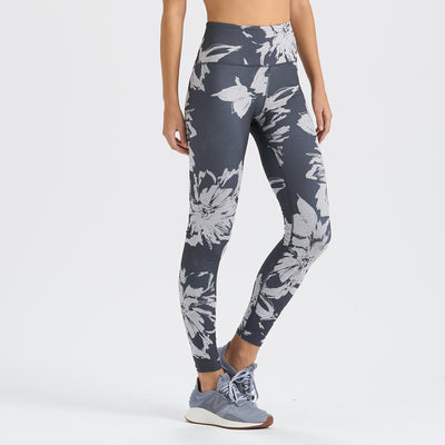 Clean Elevation Legging | Charcoal Big Flower