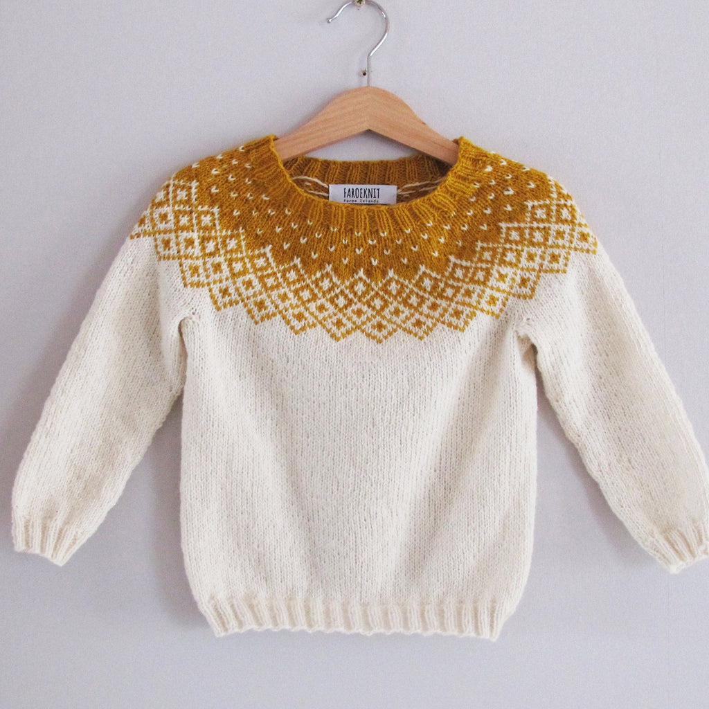 Bohéme sweater knitting pattern for Babies