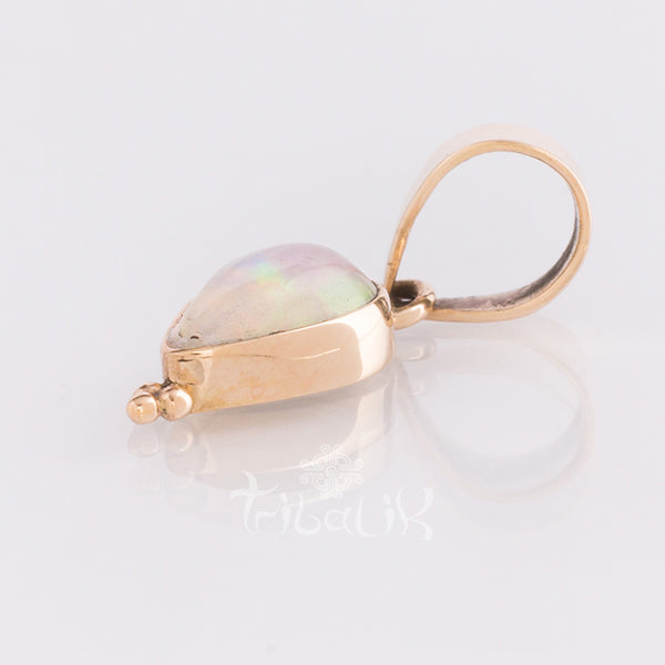 14 carat Indian Gold Tear Drop Pendant with Opal Stone | LUZ
