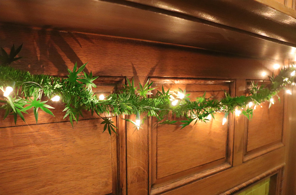 dankorations garland on a mantle