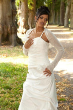 Load image into Gallery viewer, Cashmere shrug for brides with 3/4 sleeve white and ivory
