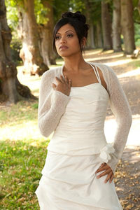 Getting married in a bridal bolero ivory and white for US Brides