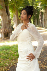 Getting married in a bridal bolero alpaca ivory and white for Brides