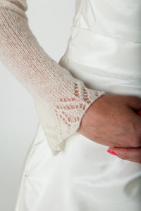 Bridal jacket knitted with lace made of cashmere ivory