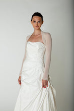 Load image into Gallery viewer, Getting married in a bridal bolero ivory and white for Brides