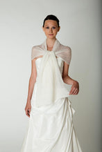 Load image into Gallery viewer, Bridal stole knitted for your wedding dress or skirt ivory and white in lace