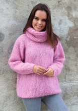 Load image into Gallery viewer, Cosy knit sweater made of mohair ingenua from Katia knit kit