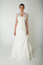Load image into Gallery viewer, Bridal pashmina knitted for your wedding dress or skirt ivory and white