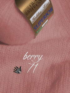 Cashmere pullover berry for your skirt