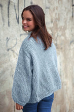 Load image into Gallery viewer, fluffy pullover knitted in rose ingenua wool kaita blue grey loose
