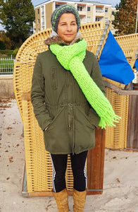 Lightining scarf with hut neon green knitted