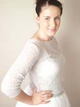 Load image into Gallery viewer, Cashmere knit sweater light grey cream