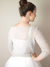 Load image into Gallery viewer, Cashmere knit pullover soft in cream with silk