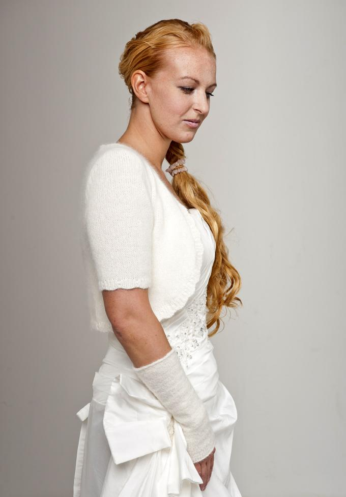 Bridal knit jacket knitted with short sleeves made of angora