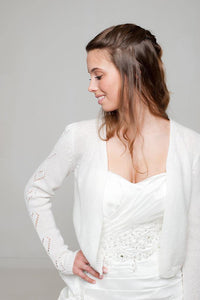 Bridal bolero knitted for wedding skirt and wedding dress