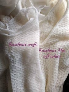 Knit sweater vest made of cashmere in white and ivory blue