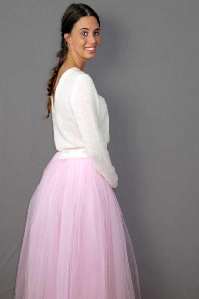 Bridal skirt rose made with several layers with wedding sweater