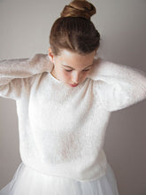 Load image into Gallery viewer, Wedding pullover in chsmere white and ivory for your bridal gown
