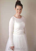 Load image into Gallery viewer, Bridal knit fashion: pullover in ivory knitted with cashmere and silk ivory
