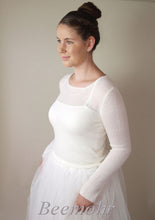 Load image into Gallery viewer, Bridal pullover in white ivory knitted with cashmere and silk ivory