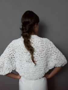 Bridal bolero in white for weddings