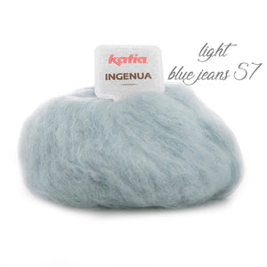 DIY: Scarf knitted with mohair ingenua from katia pale blue