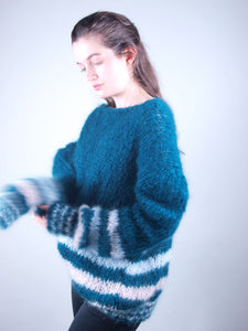 Corona shopping for christmas: knit pullover