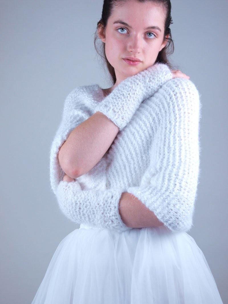 Shoulder warmer Loop knitted for your wedding gown