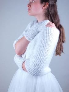 Bridal Loop knitted for your wedding gown in Germany