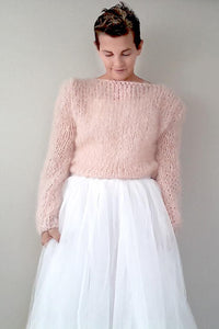 Mohair pullover in powder for brides