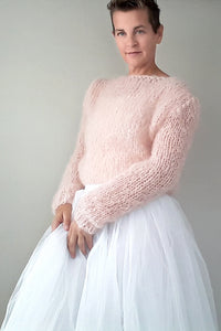 Wedding pullover with soft wool for winter weddings