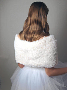 Knit Loop for Brides in white