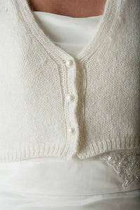 Wedding Fashion: knit cardigan for Brides made of soft cashmere wool