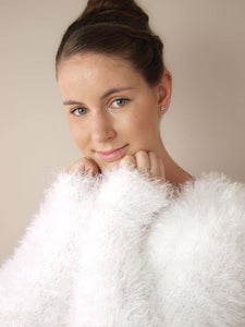 Bridal bolero jacket in a fluffy look warm for autumn and winter brides