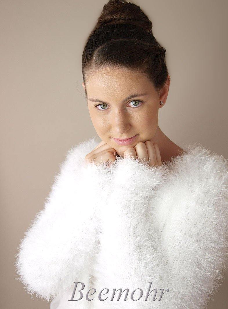 Wedding cardigan in a fluffy look warm for autumn and winter brides