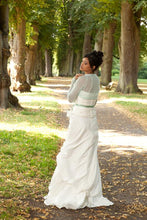 Load image into Gallery viewer, Wedding Knit jacket for brides made of cashmere ivory