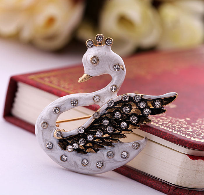 White Swan Crystal  Brooch - [neshe.in]