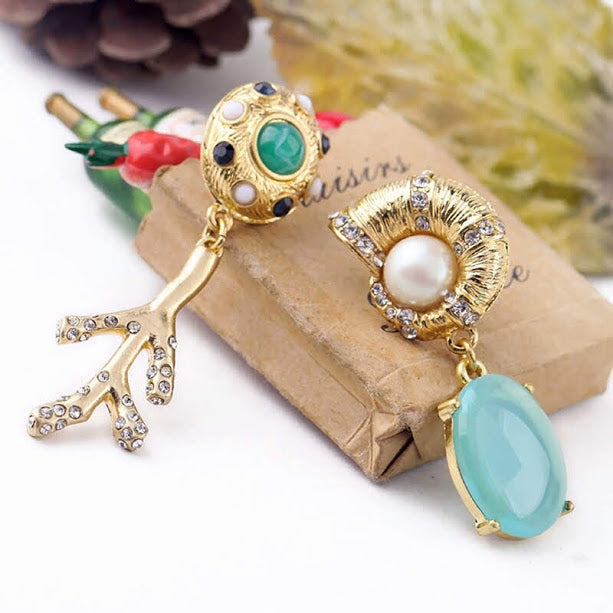 Graceful Rhinestone Branch Asymmetrical Earring - [neshe.in]
