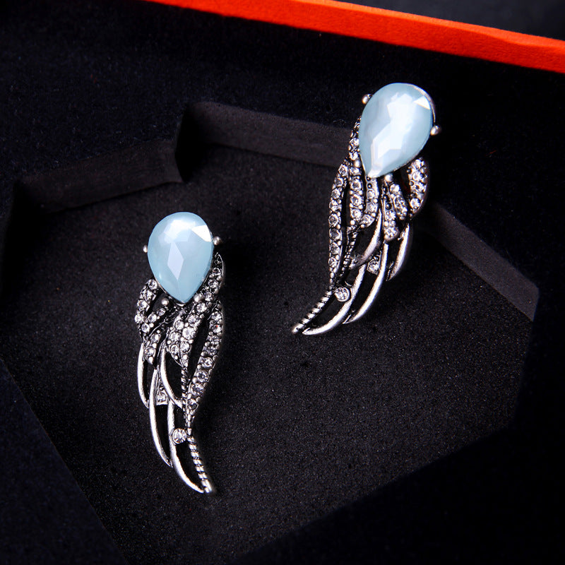 Vintage Silver Wings Shaped Crystal Earring - [neshe.in]