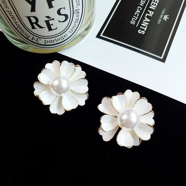 Big White Flower Elegant Dress Stud Earrings - [neshe.in]
