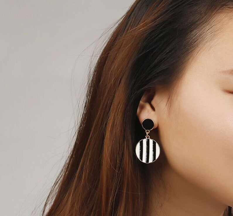 Black & White Stripes Round Golden Drop Earrings - [neshe.in]