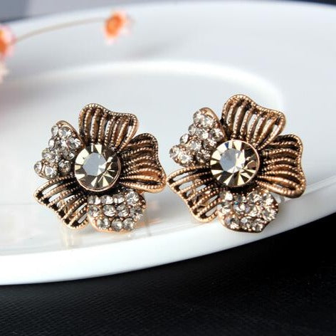 Luxury Vintage Flower Crystal Stud Earrings - 2 Colors - [neshe.in]