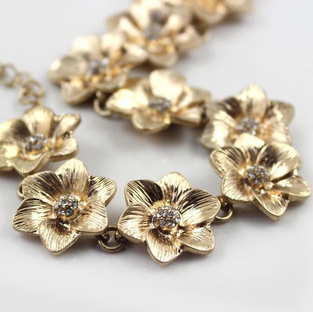 Antique Golden Flower Choker Statement Necklace - [neshe.in]