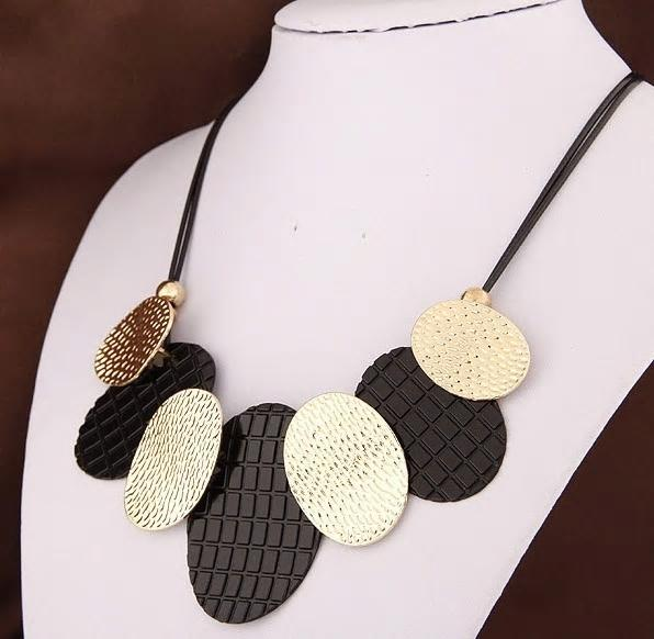 Black & Gold Metal Chunky Statement Necklace - [neshe.in]