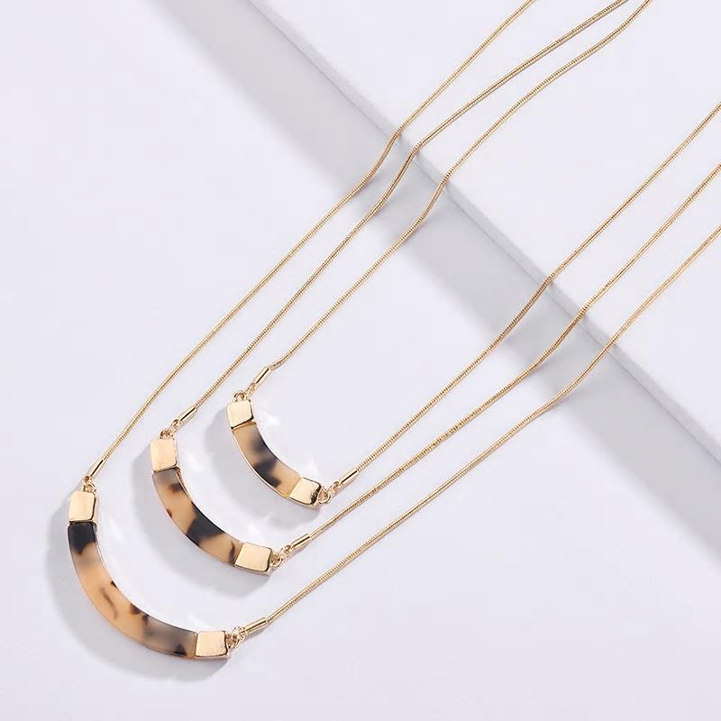 Three layered leopard Print Acrylic Multilayer Necklace - [neshe.in]