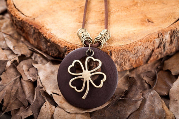 Leaf Wooden Clover choker pendant necklace for women - [neshe.in]