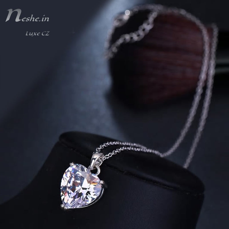 Elegant AAA CZ Clear Crystal Heart Pendant Chain Necklace