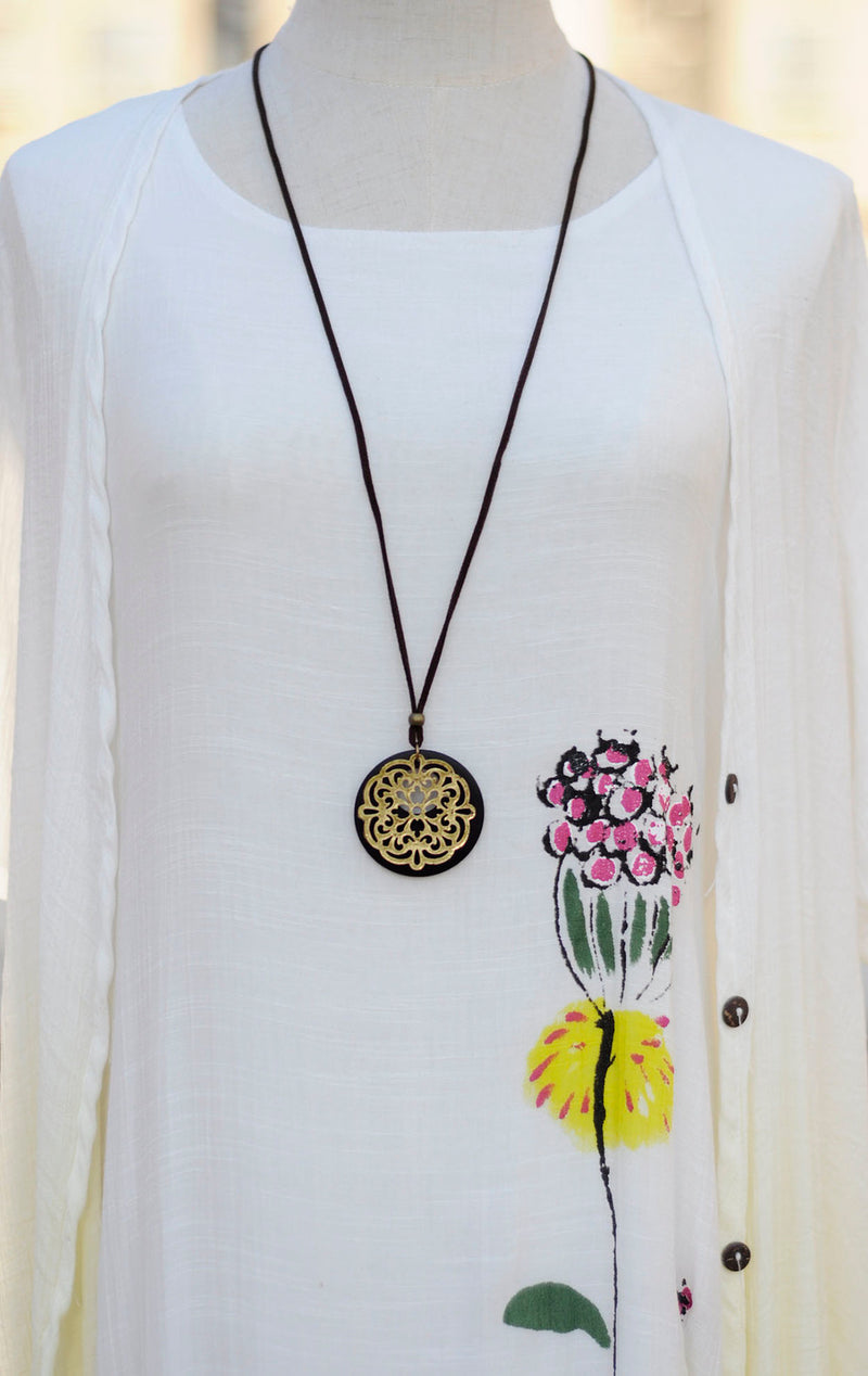 Long rope flower round wooden pendant necklace - NN - [neshe.in]